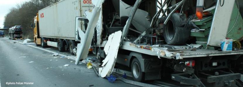 Absicherung von Schwerlastfahrzeugen und Kraftomnibussen im BAB-Bereich
