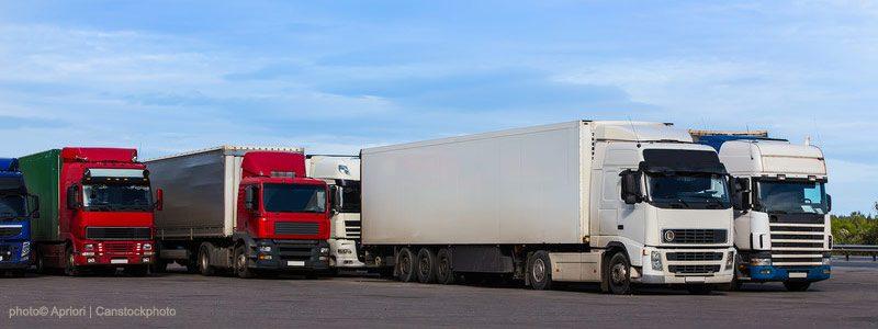 23.300 Lkw-Stellplätze fehlen auf Autobahnen